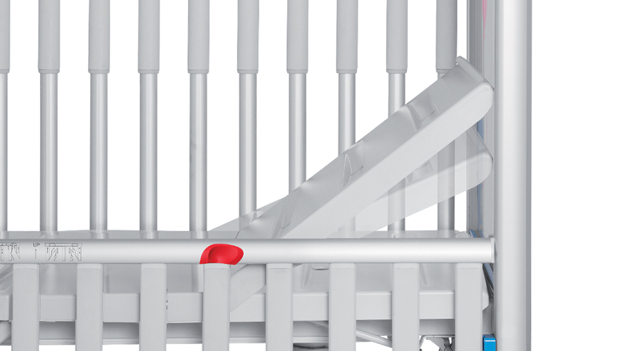Autoregression feature ensures a constant safety gap between backrest and head of crib